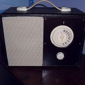 Fleetwood radio model 1249. - Radios