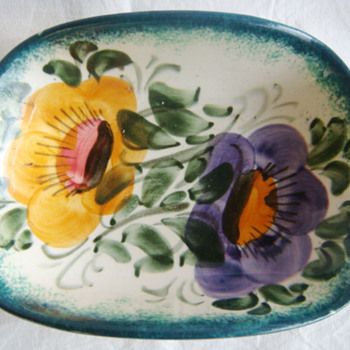 Decorative Floral Dish - Signed But who made it ?  - Art Pottery