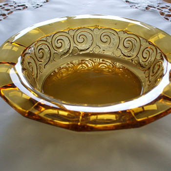 "ELEGANT GLASS BOWL-""Rosette"" Design 1935 by VAL-ST.- LAMBERT (Luxval) of BELGIUM"