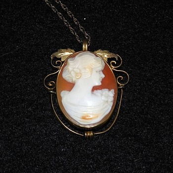 Beautiful Cameo Necklace with Gold Filigree and chain