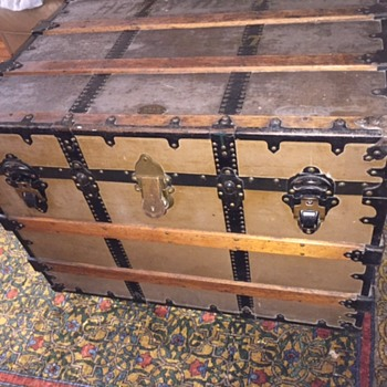 B,B, & B - Boyd, Boyd and Boyd Theater Trunk - very cool