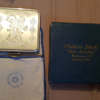 Vintage silver make up compact. Can anyone help me figure out what I have here?