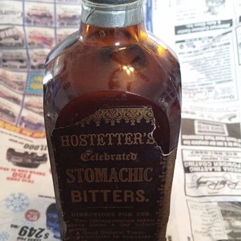 HOSTETTER'S CELEBRATED STOMACHIC BITTERS BOTTLE
