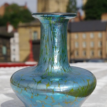 loetz minature vase ?