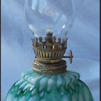 WELZ HONEYCOMB OIL LAMP - Art Glass
