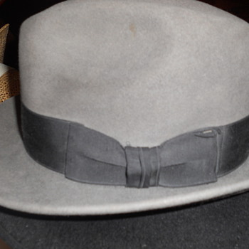 Vintage hat? What's the name for this type of hat?