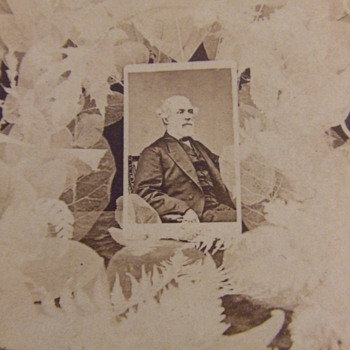 Unusual General Robert E. Lee mourning stereoview