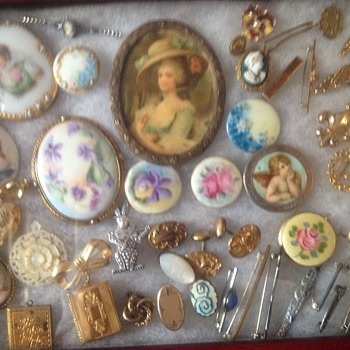 Old pins and broaches - Costume Jewelry