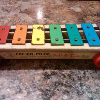 "Fisher Price ""Pull-A-Tune"" pull along toy xylophone"