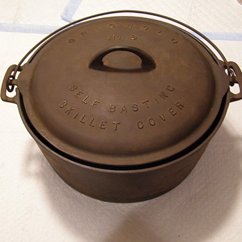 OLD GRISWOLD SKILLET TOP+ BIG POT WITH HANDLE!!