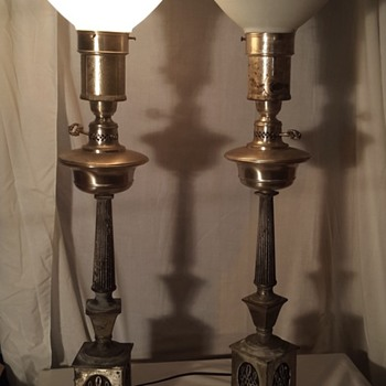 Colonial Premier Co. Table lamp pair