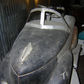 UNRESTORED PEDAL CAR