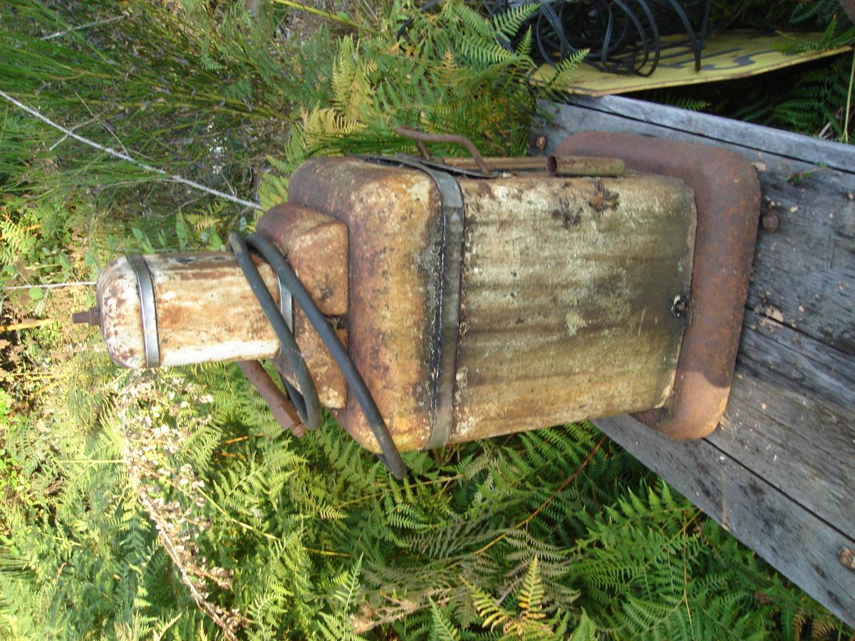lincoln model 972 air grease gun serial # 3041 : Collectors Weekly