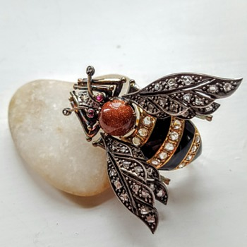 Biggest bumble bee brooch, gold, silver, diamonds, rubies, goldstone.