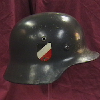 WW II German Luftwaffe M-35 Helmet - Military and Wartime