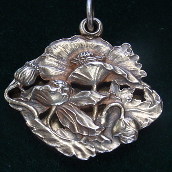 Russian Art Nouveau slide locket - Art Nouveau