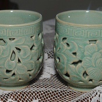 2 greeen bowls - Art Pottery