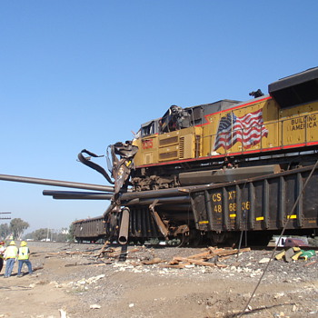 Train wrecks - Derailments - Railroadiana