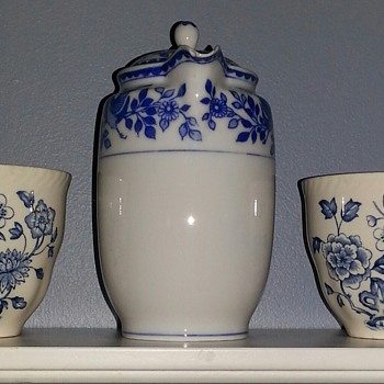 Royal Sometuke Nippon Blue & White Tea Pot