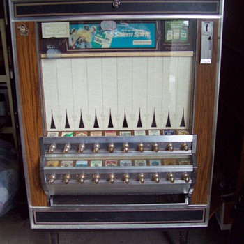 Classic Pull Knob Cigarette Vending Machine