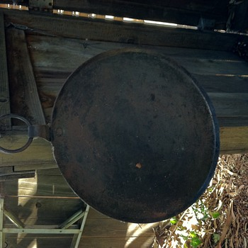 Cast iron cauldron lid ?  - Kitchen