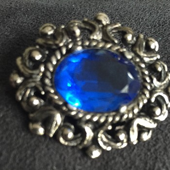 Vintage brooch blue stone pewter finish