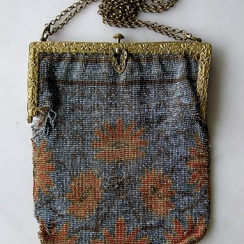 Early 20th century French steel cut beaded bag