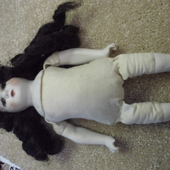 Doll no markings