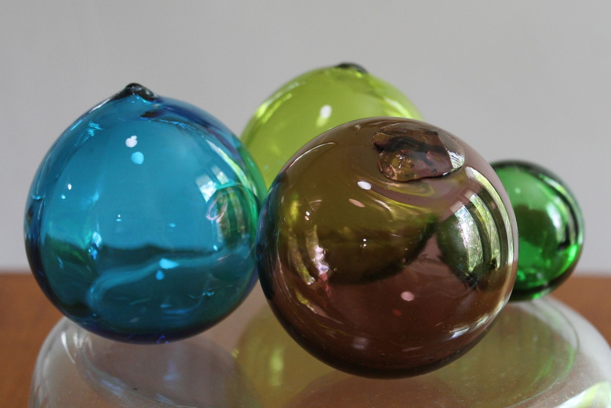 Japanese glass fishing floats collectors weekly for Japanese fishing floats