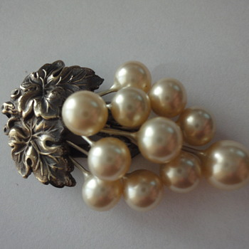 Early Twenties Pearl Dress Clip set in copper