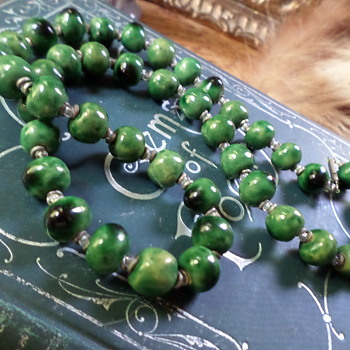 Green Beaded Necklace - Costume Jewelry