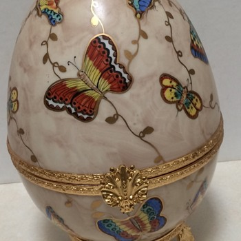 Large Limoge France Gand Painted Butterfly Box