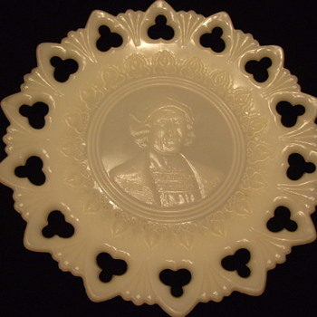 Christopher Columbus 1492-1892 Openwork Border SOUVENIR Milk Glass PLATE - Glassware