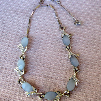 Kramer 50's Necklace/Choker - Costume Jewelry