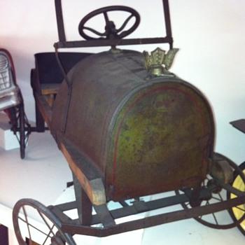 1900's pedal car?