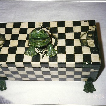 Leapfrog Box - Folk Art