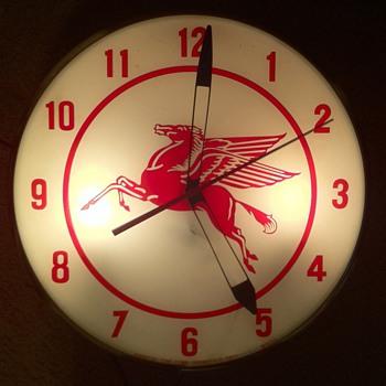 Mobil clock