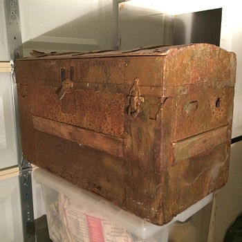 Trunk Still Full of Life 100 Years Later - Furniture