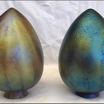2 IRIDESCENT ART GLASS SHADES - LOETZ ??  TIFFANY??????? - Art Glass