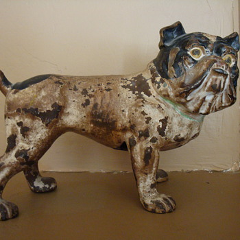 Cast Iron English Bulldog - Is it a Hubley?