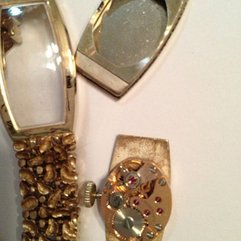 2nd attempt.Avalon ladies wristwatch.10 rubies.Gold? - Wristwatches