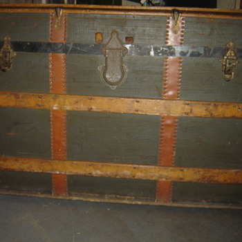 Late 1800's Round Top Trunk?