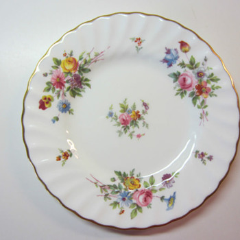 "Minton MARLOW Bread & Butter Plate - Wreath Stamp - 6.25""   - China and Dinnerware"