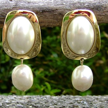 Kunio Matsumoto for Trifari Earrings - Costume Jewelry