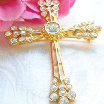 Cathedral Art Metal Co. (CAMCO) Vintage Rhinestone Cross - Costume Jewelry