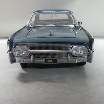 1961 Lincoln Continental Four Door Convertible Die-cast - Model Cars