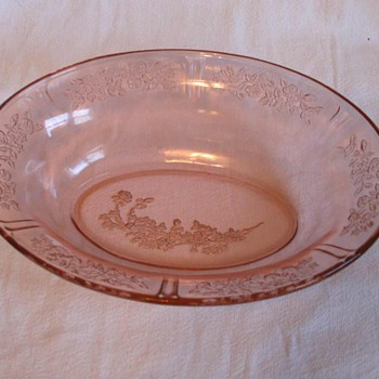 "Federal Glass *Sharon Pattern*  9-1/2"" Oval Serving Bowl"