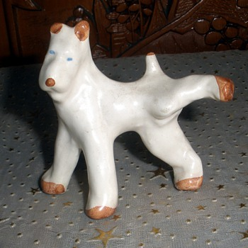 Roseville Ivory Peeing Dog? - Art Pottery