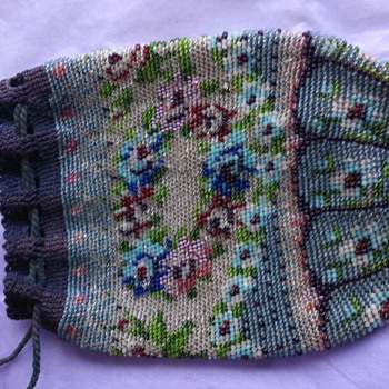 Old glass microbeaded purse/bag  - Bags
