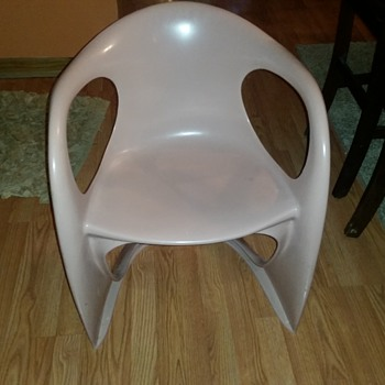 vintage plastic molded chairs